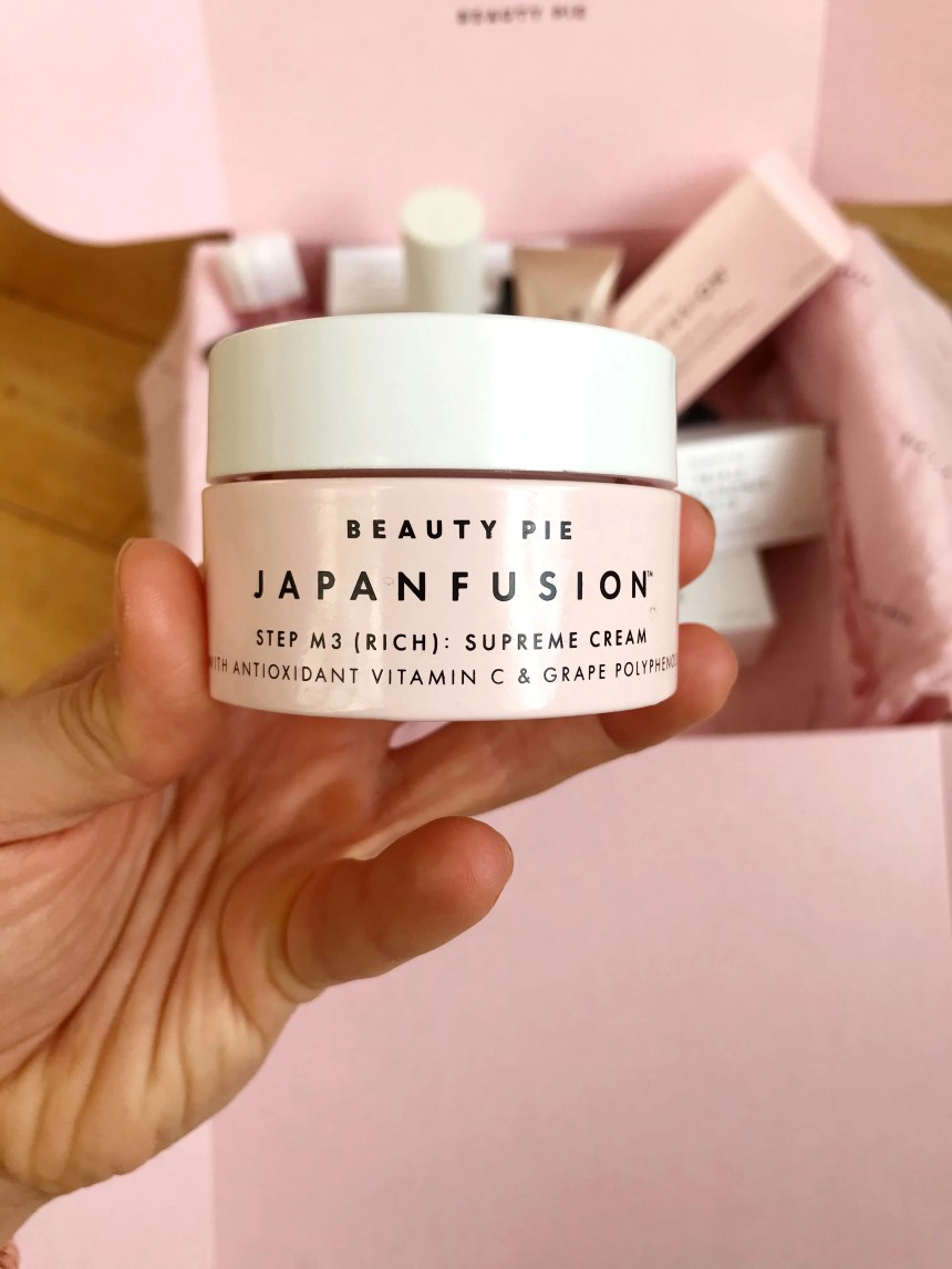 Before I jump into my Beauty Pie review, I will preface this by saying that I am VERY particular about my makeup, skincare and haircare and have never been one for subscription beauty boxes or off-brand samples.