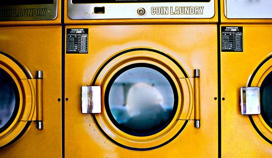 """""""Do laundry"""" - Imagem: http://www.flickr.com/photos/sinkdd"""
