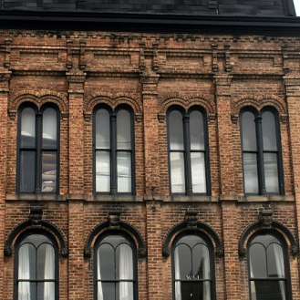847574150_facade-with-single-and-double-arches