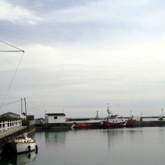 847660310_cobourg-harbour-1