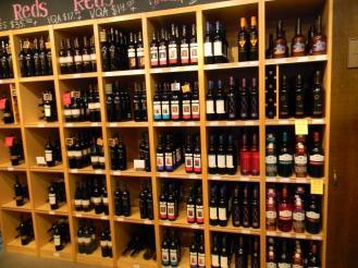 grande-selecao-de-vinhos-de-ontario-no-st-lawrence-market
