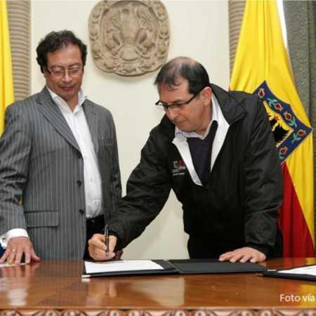 Gustavo Petro y secretario de Integracion Social