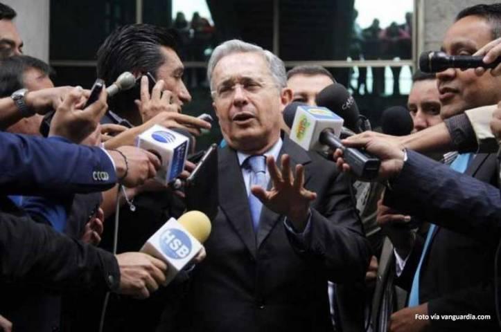 Uribe habla en los medio