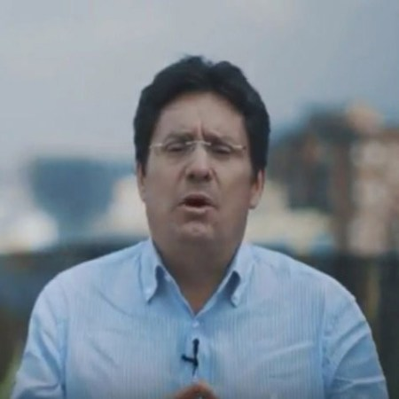 Boton Francisco-Pacho-Santos
