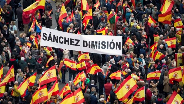 Protestas-contra-Pedro-Sanchez-de-la-derecha-española-Fuente-foto-web-Data-Urgente-1024x578
