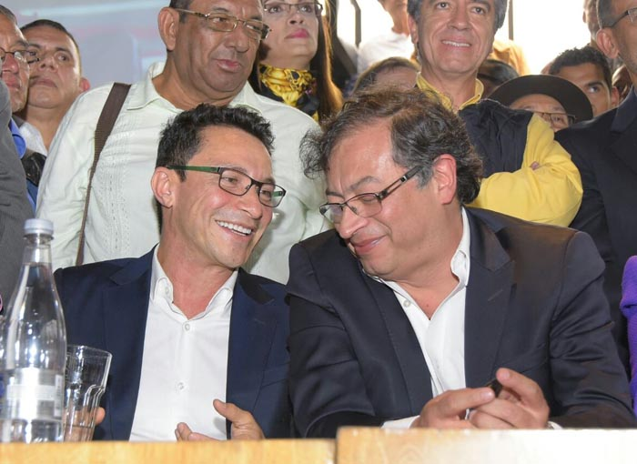 Carlos-Caicedo-y-Petro (1).jpg