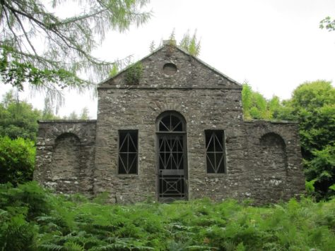 Fothringham Hill summer-house folly, front view