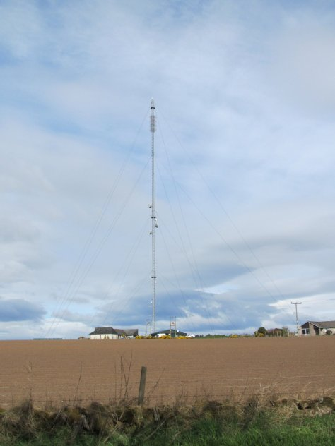 Harecairn telecommunication antenna on Labothie Hill