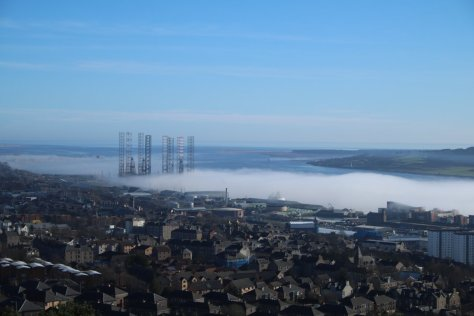 Advection fog in Tay estuary