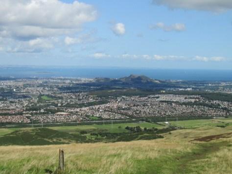 Edinburgh and Arthur's Seat from Allermuir Hill
