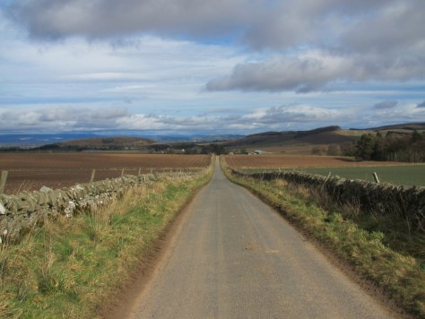 Road from Nether Handwick to Tarbrax, Glen Ogilvie