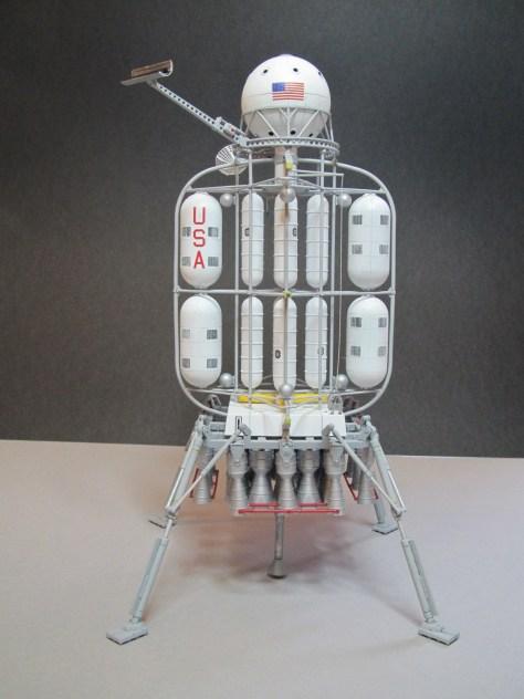 Pegasus 1/350 Von Braun Moon Lander model 1