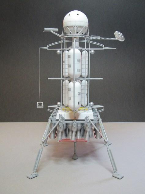 Pegasus 1/350 Von Braun Moon Lander model 2