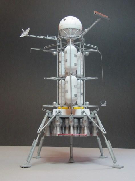Pegasus 1/350 Von Braun Moon Lander model 3