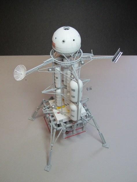 Pegasus 1/350 Von Braun Moon Lander model 8