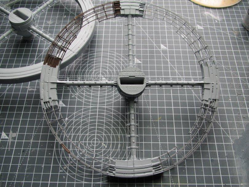 Fantastic Plastic Space Station V paint test