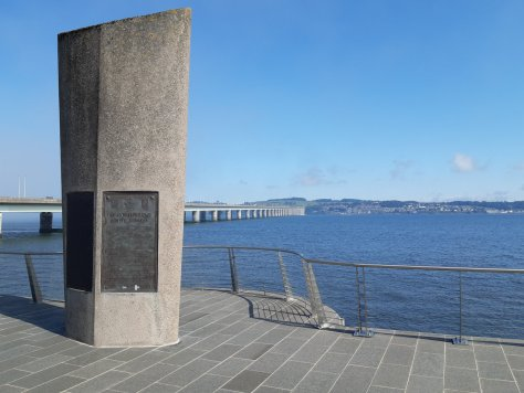 Tay Road Bridge monument, Dundee