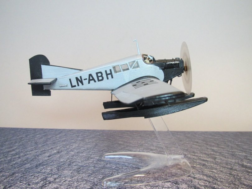 Revell 1/72 Junkers F13 LN-ABH completed 3