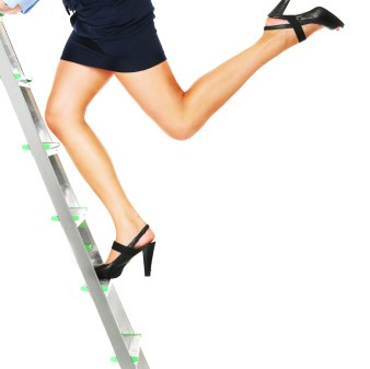 Business-woman-climbing-ladder-338x337
