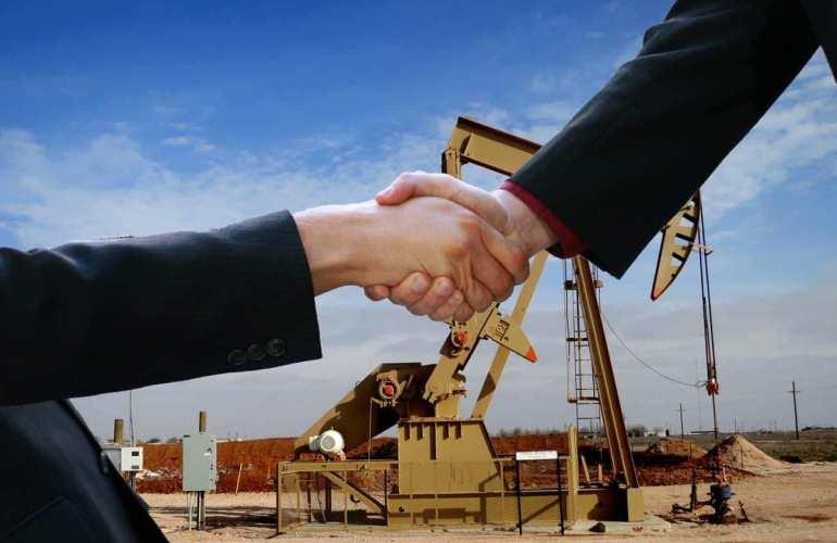Oilfield-Handshake