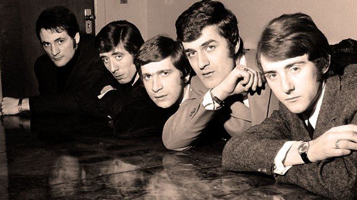 The Moody Blues in their previous incarnation as a Beat Group in 1965.