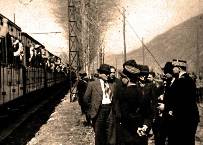 No war in February 1938 - but a  lot of chaos. Spanish fleeing Civil War, heading to France.
