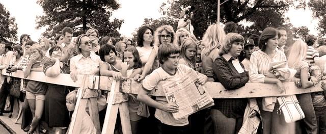 Elvis Mourners - August 17, 1977