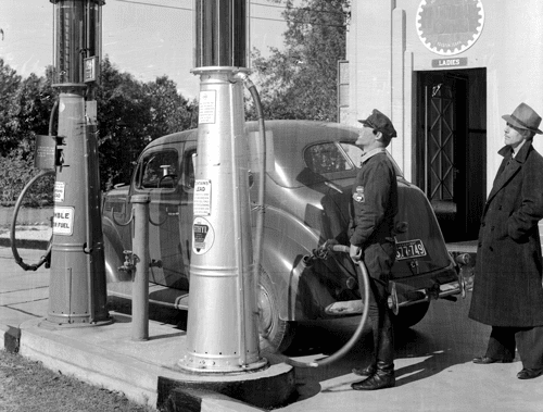 Humble & Esso Oil Station Pump 1937