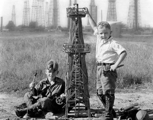 Wildcatters and Dreams of Being a Texas Oilman, 1928