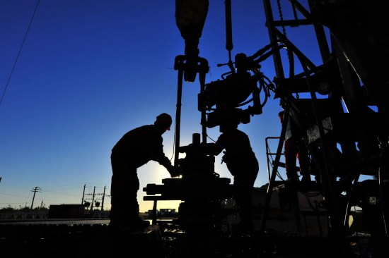 Oklahoma City Firm Plans to Pioneer Drilling of Two-Mile Horizontal Well