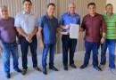 Prefeito Nélio Aguiar assina ordem de serviço para recuperação de estradas vicinais