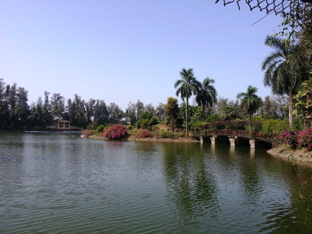 The breeze was soothing in the Vanganga Lake Garden
