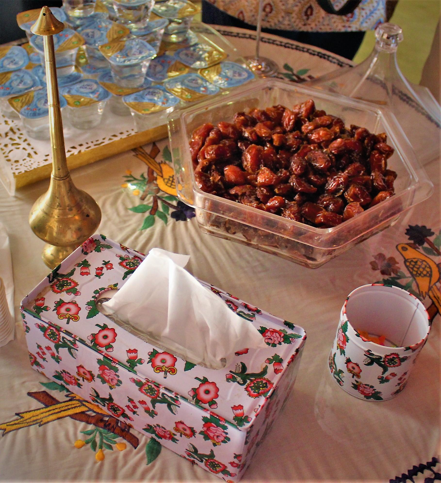 Unsweetened Turkish tea with dates