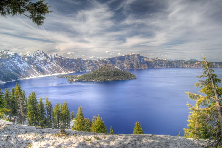 Crater Lake in Oregon National Park, USA