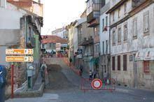 Obras condicionam trânsito na Rua Lopo de         Carvalho