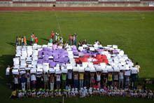 Mega logotipo humano juntou centenas contra         o cancro na Guarda