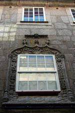 Janela renascentista no centro histórico da         Guarda em vias de classificação