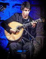 Hélder Machado, um sopro de juventude na         guitarra portuguesa