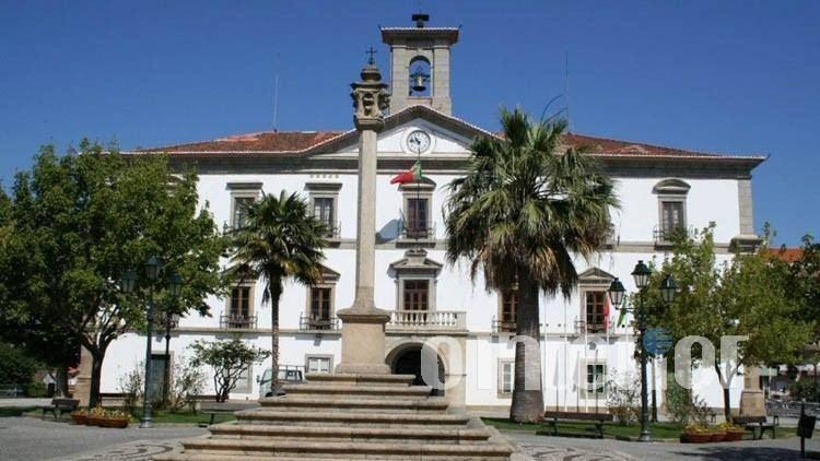Em 2017, a Câmara do Fundão tinha uma dívida total de 60,6 milhões de euros para uma receita de 21,2 milhões