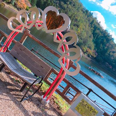 【恋人の聖地】弁財天が見守る、山県市の伊自良湖に行ってみた。