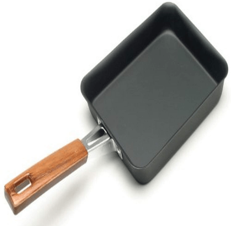 Photo Description: a Kotobuki pan that looks very nicely produced because of the rolled edge to the wood handle.