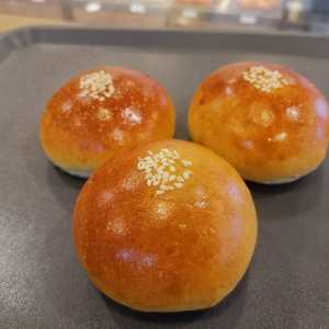 Oishi Pan Bakery Singapore - Best Red Bean Bread