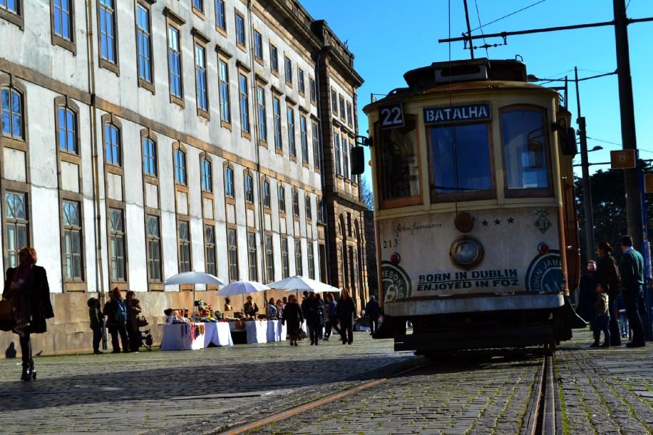 Bonde ao lado da Reitora da Universidade do Porto   Foto: Verônica Batista