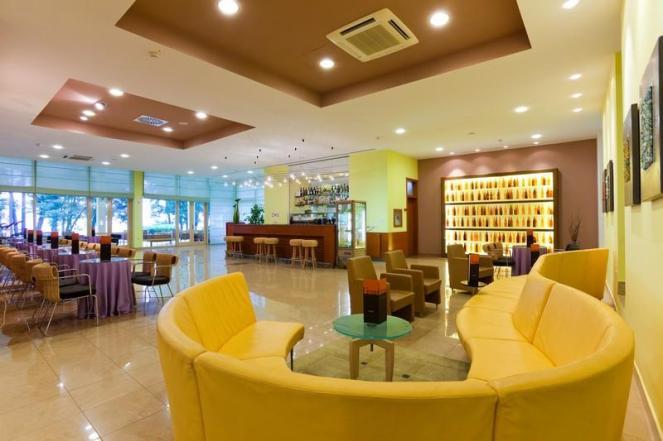 28_hotel_sol_aurora_umag_bar