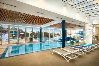 valamar-girandella-resort-maro-suites-indoor-pool-view