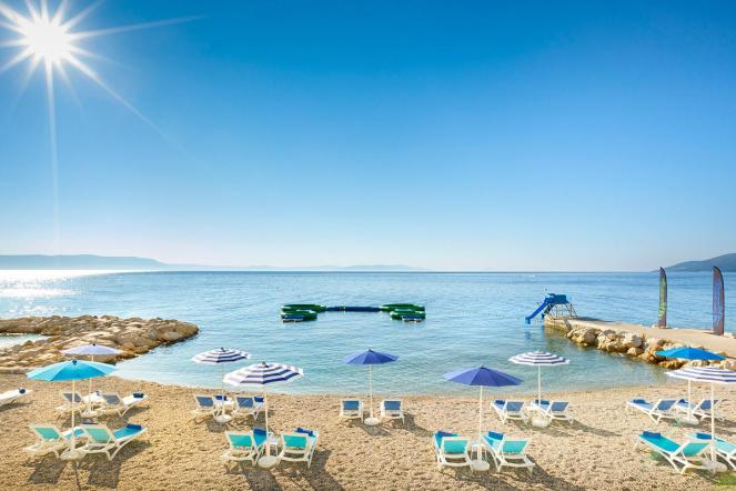 valamar-girandella-resort-sundance-sandy-beach-panorama