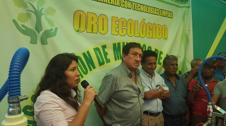 PROPUESTA. Horas antes de la reunión con el jefe de Estado, la empresaria Maruja Baca presentó equipos limpios de procesamiento de oro en la Universidad Amazónica de Madre de Dios.