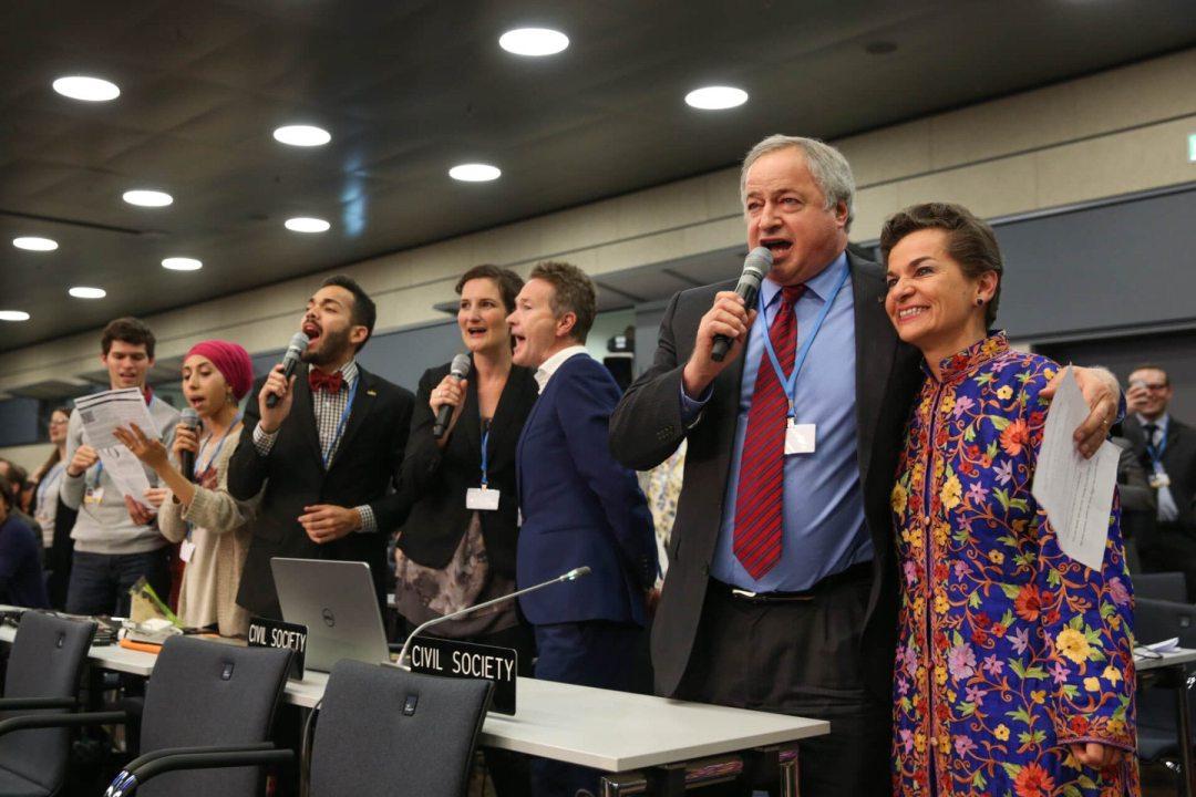 """La costarricense Christiana Figueres compartió con el """"grupo coral"""" de la sociedad civil en la sesión de Bonn, a finales de mayo."""