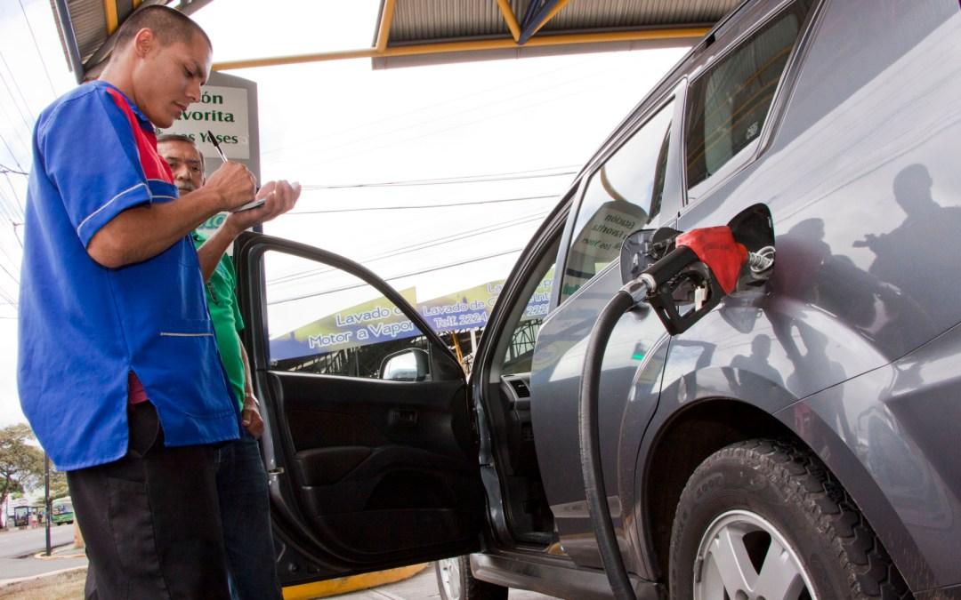Aumento en ventas de combustibles casi duplica crecimiento de la economía en 2016