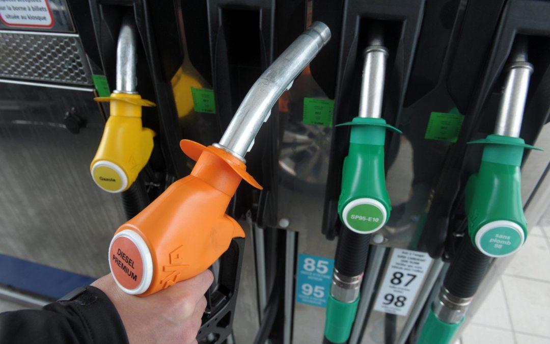 Francia pondrá fin a la venta de autos diésel y gasolina en 2040